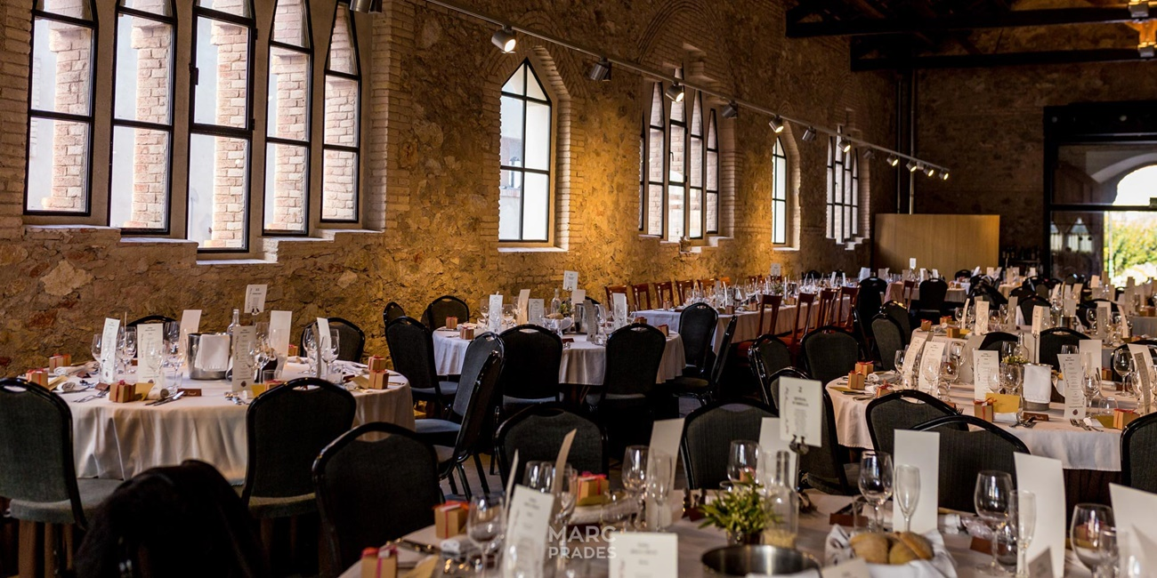bodas-catedraldelvi-bodas-civiles-catering-celebracion-bodas-restaurante-bodas-tarragona-bodas-unicas-bodas-con-encanto-bodas-especiales-bodas-magicas-tarragona